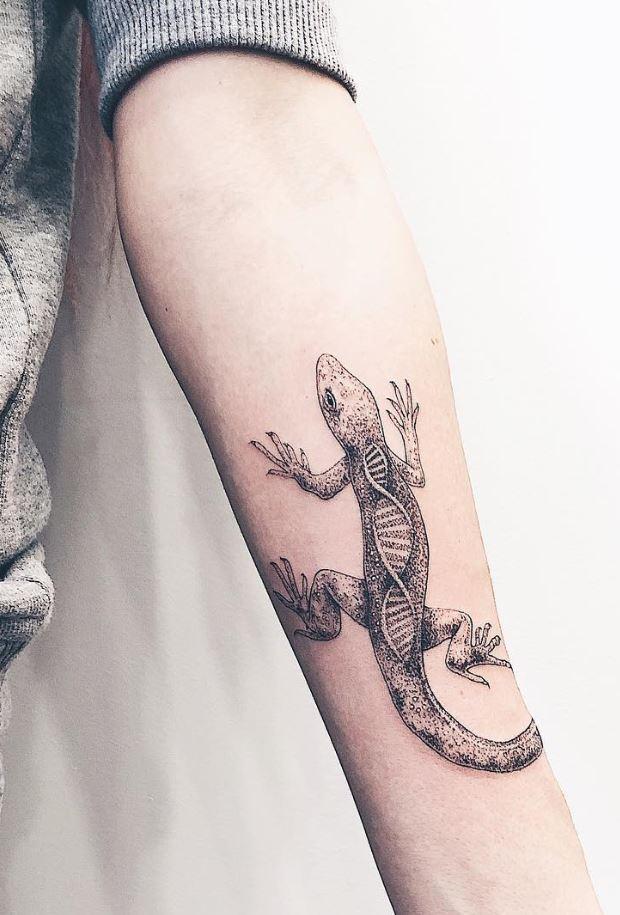 Black & Gray Lizard Tattoo